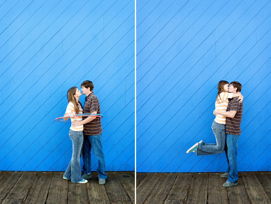 los angeles engagement photographer, engagement photography, hula hoop, couple kissing, santa monica pier, santa monica engagement session